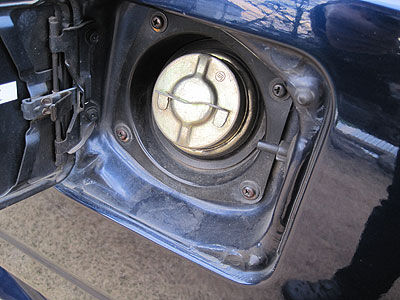 MR2AW11の給油口