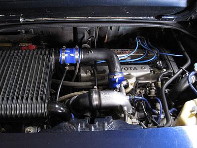 MR2AW11にSAMCO製シリコンホース装着後のエンジンルーム