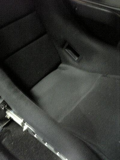 フルバケットシートのスポンジ素材変更後