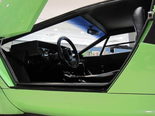 ランボルギーニ・カウンタックのポップアップドア