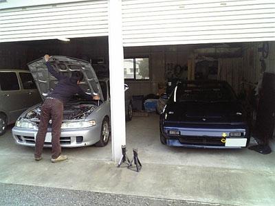 ガレージに並ぶDC2インテグラSiRとMR2AW11