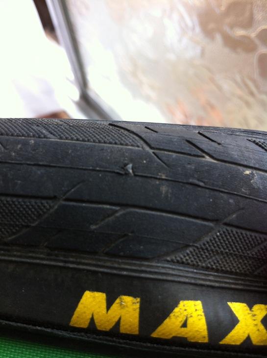 タイヤのパンク箇所