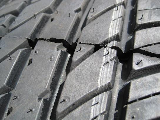 CORSA 60のタイヤパターン接写