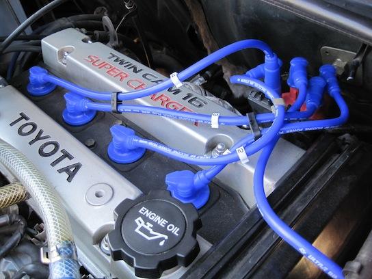 トヨタ MR2 AW11 のエンジンルーム