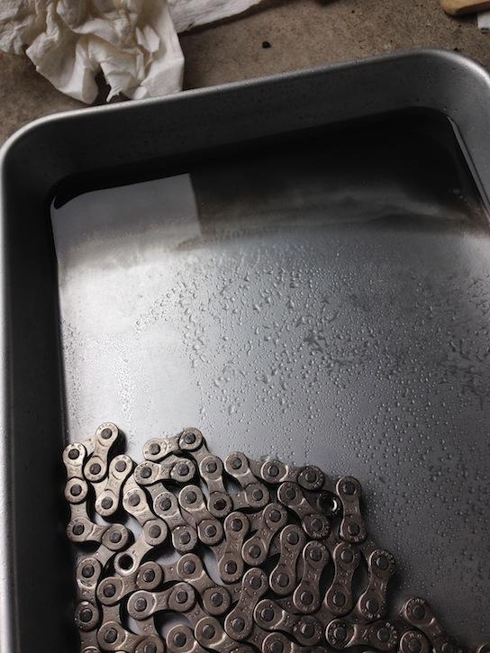 エスケープR3 チェーン洗浄(ブレーキクリーナー使用)