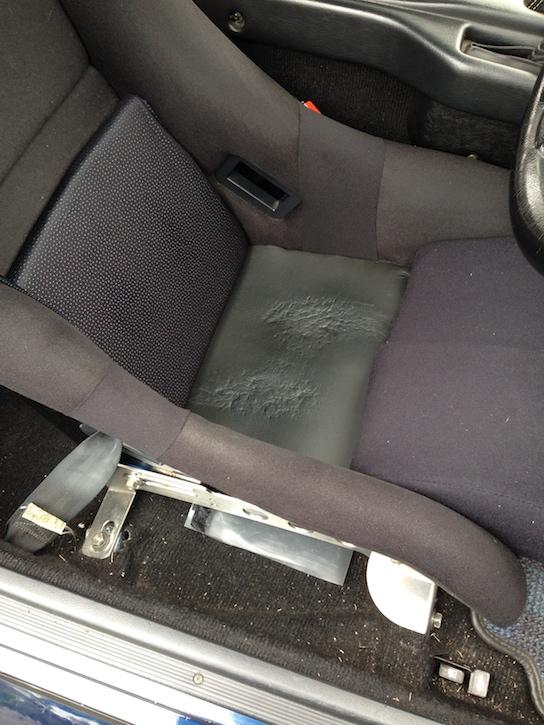バケットシートの補修完了後その1